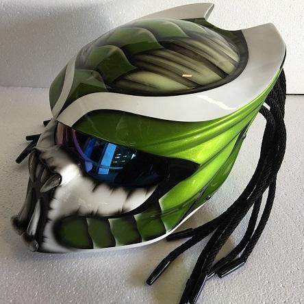 green&white_predator_helmet